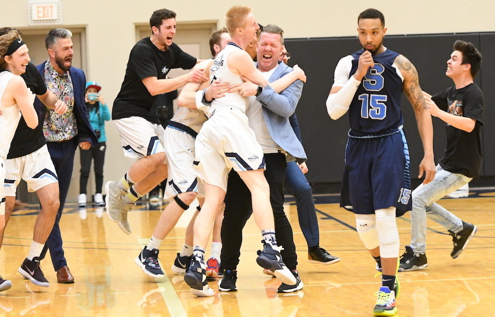 VIU Mariners Set Out to Defend CCAA National Championship in